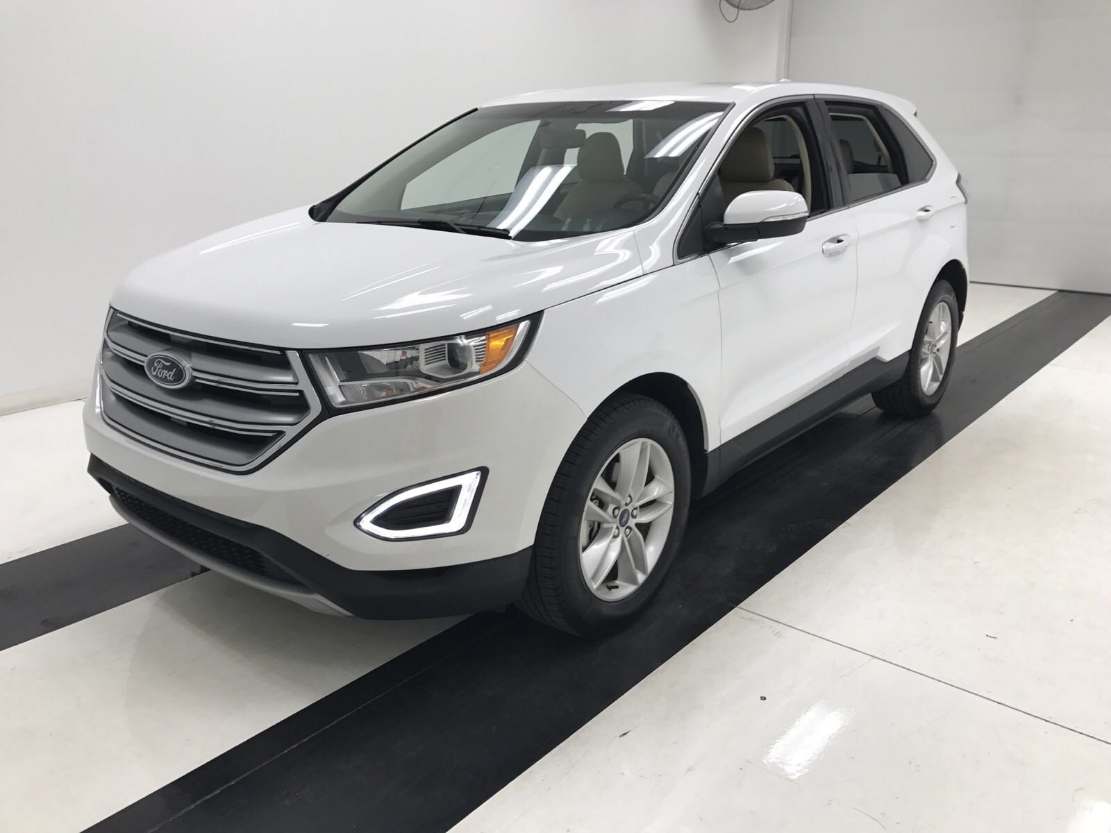 Pre owned 2016 ford edge