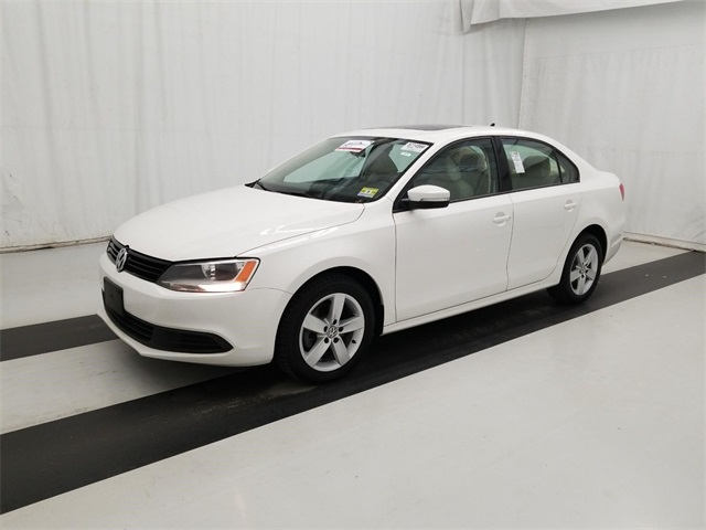 volkswagen wolfsburg vehicle low kms used htm edition in stk image of white jetta charlottetown