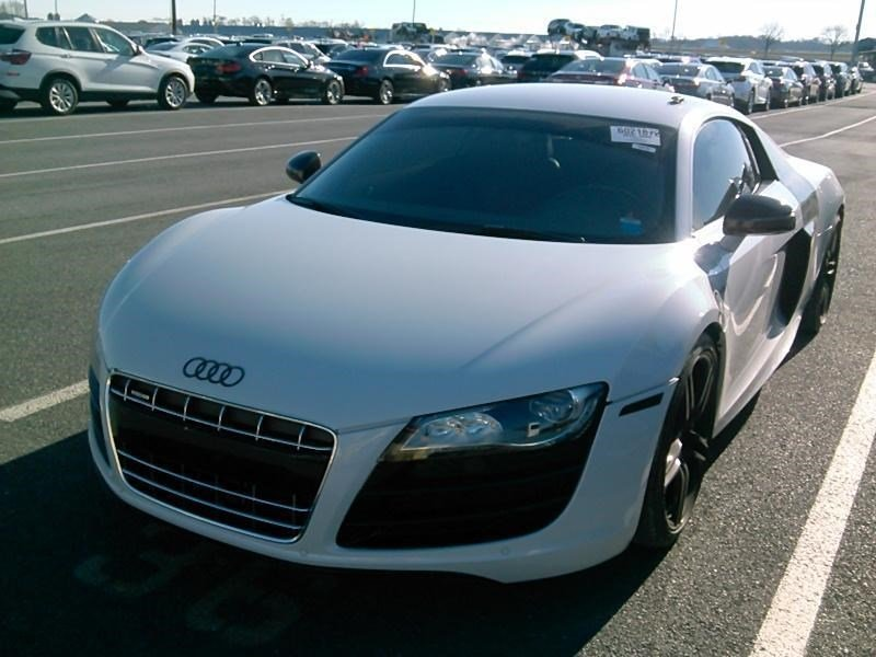 Pre-Owned 2010 Audi R8 5.2